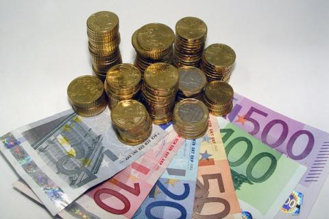 euro-notes-coins